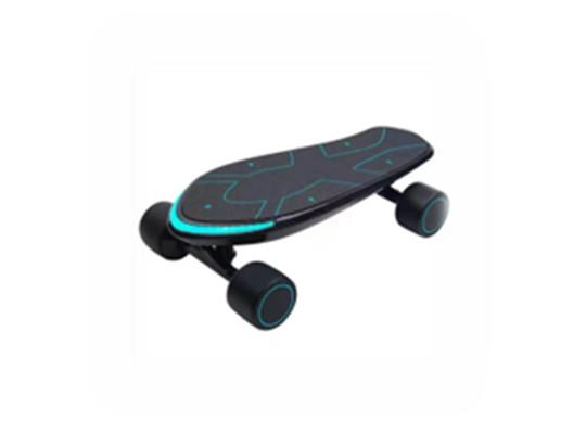 开发最智能的碳纤维滑板车
